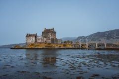 slott donan eilean scotland arkivbild