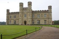 slott england leeds royaltyfri bild