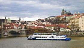 slott Europa gotiska gammala prague Arkivfoton