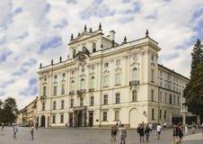 Slott för ärkebiskop` s bredvid den Prague slotten arkivfoto