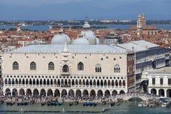 Slott för doge` s på piazza San Marco, Venedig, Italien Royaltyfri Fotografi