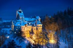 Slott för Dracula ` s i vinter Royaltyfria Bilder