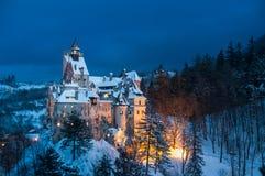 Slott för Dracula ` s i vinter Arkivfoto