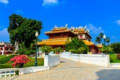 Slott för kinesisk stil i smäll PA-i slotten, Ayutthaya, Thailand. Royaltyfria Bilder