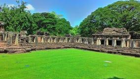 Slott för Pimai slottpimai i Thailand gräsplanträd Arkivbild