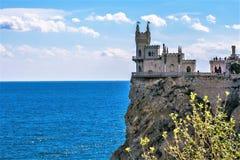Slott för rede för svala` s på en vagga yalta Gaspra crimea arkivbild