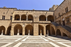 Slott för storslagen förlage i Rhodes, Grekland Arkivfoto