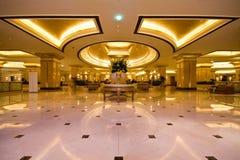 slott för emirateshotelllobby Fotografering för Bildbyråer