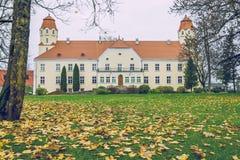 slott gammala latvia Arkivbild