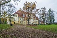 slott gammala latvia Royaltyfri Foto
