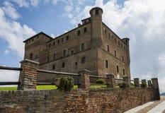 Slott Grinzane Cavour Piedmont royaltyfria bilder