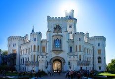 Slott Hluboka nad Vltavou i Tjeckien Fotografering för Bildbyråer