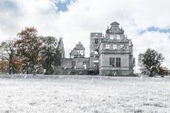 Slott i den Haapsalu staden i Estland royaltyfria bilder
