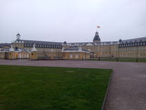 Slott i den tyska staden Karlsruhe Arkivfoto