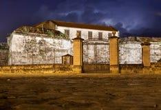 Slott i gammala Havana på natten Arkivfoto