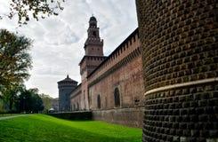 Slott i Milano, Italien arkivfoton