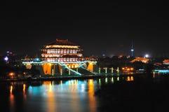 Slott i natt Royaltyfria Foton