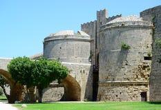 Slott i Rhodes Greece - slotten av den storslagna förlagen Arkivbild