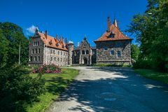 Slott i staden Cesvaine som är gammal 14th århundrade för medeltida slott Latv Arkivbild