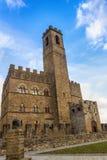 Slott i Tuscany arkivbild