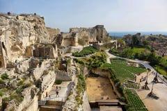 Slott Les Baux de-Provence i v?ren, Provence, Frankrike arkivfoton