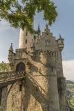 Slott Lichtenstein med den ingångsporten och klaffbron Arkivbilder