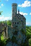 Slott Lichtenstein på brant sluttning Royaltyfri Bild
