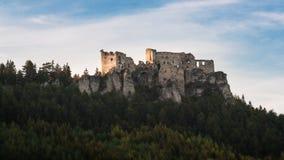 Slott Lietava, Zilina, Slovakien arkivbild