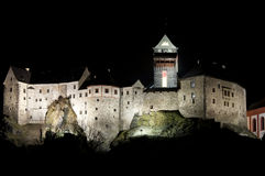 Slott Loket i natten, Tjeckien Arkivbild