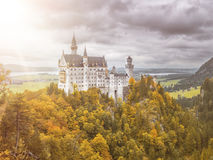 Slott Neuschwanstein i den Bayern Tyskland Royaltyfri Fotografi