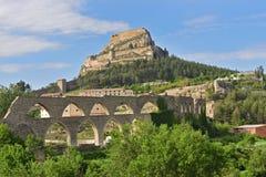Slott och akvedukt, Marella, Castellon, Spanien Royaltyfri Foto