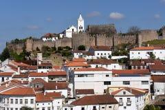 Slott och by av Penela, Beiras region, Arkivbild