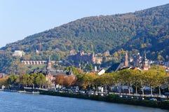 Slott och den gammala townen i Heidelberg, Tyskland Fotografering för Bildbyråer
