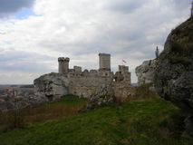 Slott Ogrodzieniec royaltyfri fotografi