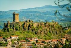 Slott på en kulle i Frankrike Royaltyfria Foton