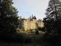 Slott på höjdpunkt Arkivfoto