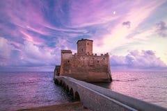 Slott på havet Arkivbilder