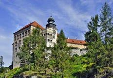 Slott Pieskowa Skala i Polen royaltyfria foton