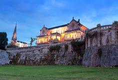 Slott Sobrellano, Comillas, Cantabria, rygg Arkivfoton
