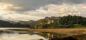 Slott Tioram Ardnamurchan Skottland Arkivbilder