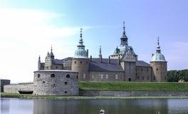 Slott vid vattnet Royaltyfria Foton