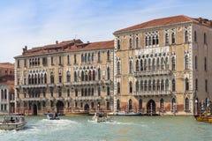 Slottar längs Grand Canal, Venedig, Italien Arkivfoton