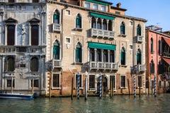 Slottar på Grand Canal, Venedig, Italien Arkivfoton