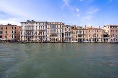 Slottar på Grand Canal, Venedig, Italien Royaltyfri Bild