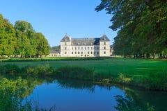 Slottchateauen av Ancy-le-franc royaltyfria bilder