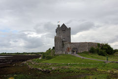 slottdunguaire ireland Royaltyfria Foton