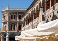 Slotten av anledning i mitten av Padua lokaliserade i Veneto (Italien) Arkivfoto