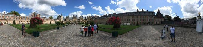 Slotten av Fontainebleau panorama, Frankrike Royaltyfri Fotografi