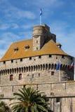 Slotten av hertiginnan Anne av Brittany i den walled staden inhyser stadshuset och museet av historia av staden och Ethnograpen arkivfoto
