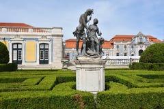Slotten av Queluz är en lokaliserad för thårhundrade för portugis 18 slott Royaltyfri Foto